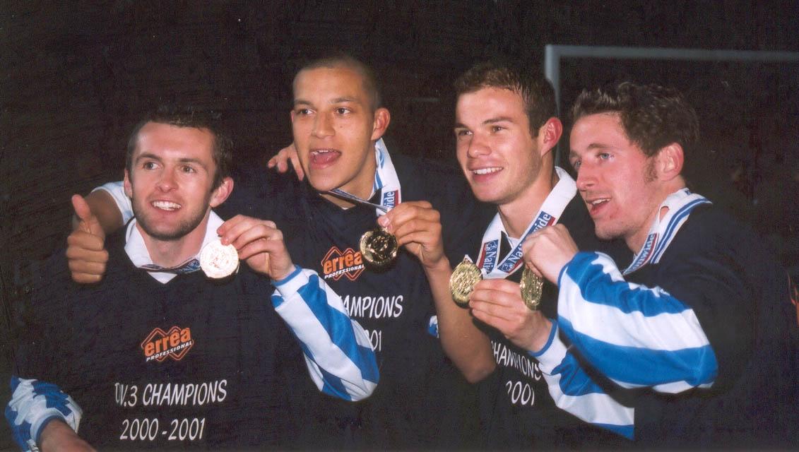 ??, Zamora ??, Brooker celebrate Chesterfield game 01 may 2001
