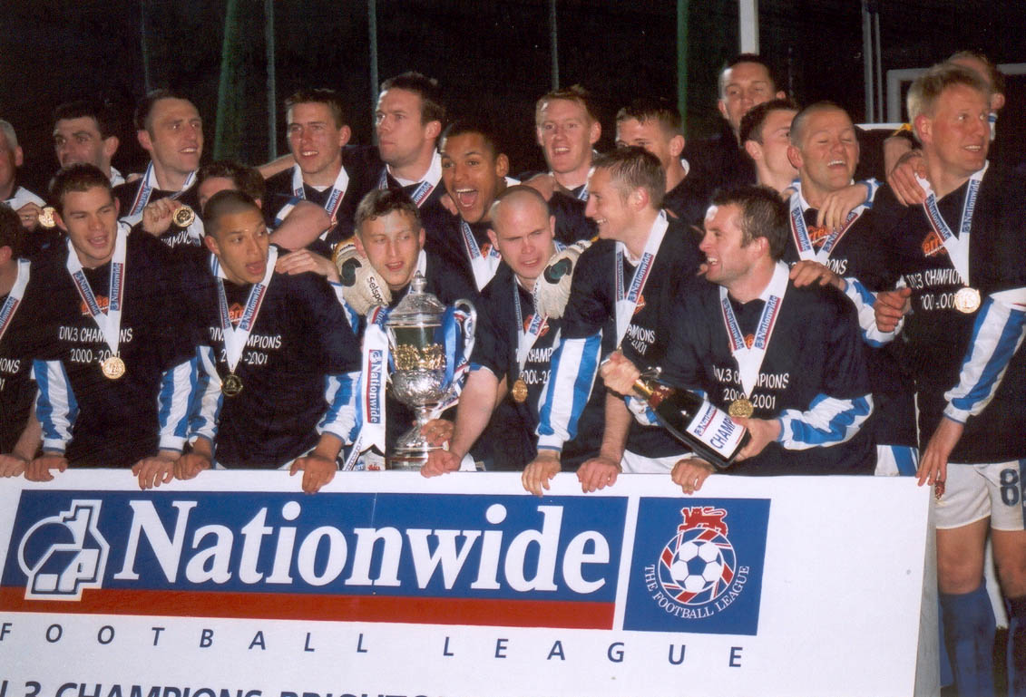 team pose Chesterfield game 01 may 2001