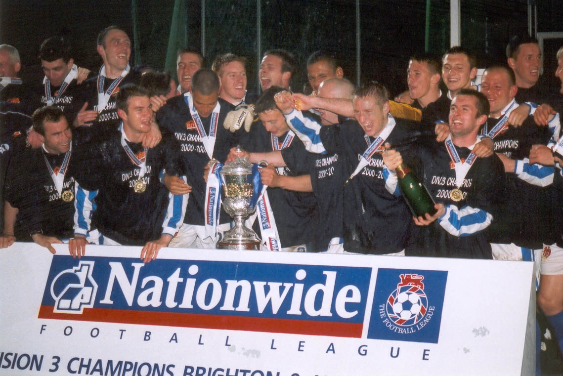 team with trophy Chesterfield game 01 may 2001